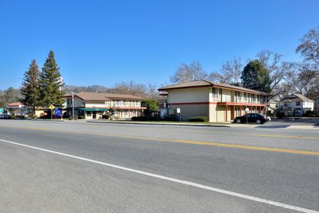 Atascadero Inn From The Street